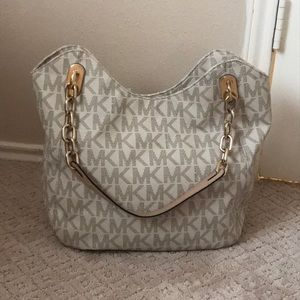 Authentic Michael Kors large Lilly tote